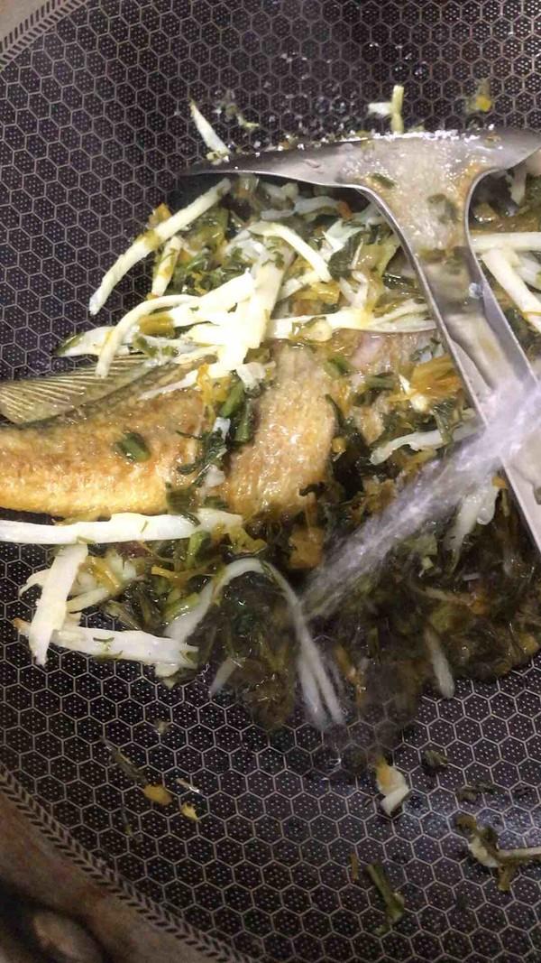 雪菜黄鱼汤怎么煸