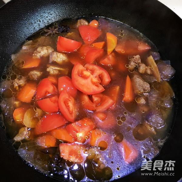 西红柿炖牛腩怎么炖