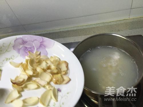 鸡头米百合粥的简单做法