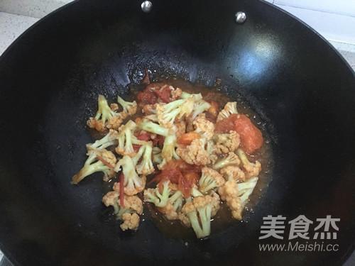 西红柿炒花菜怎么炖