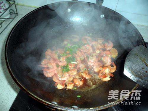 红烧基围虾怎么炒