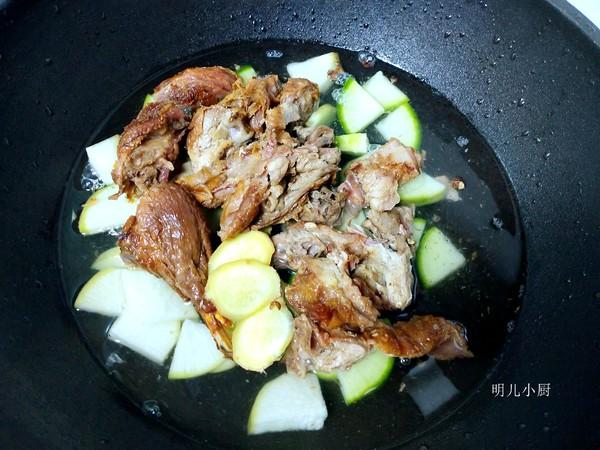 鸭肉萝卜汤的家常做法