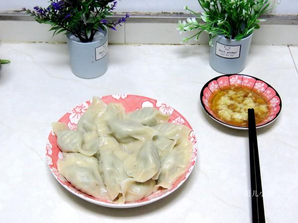 荠菜饺子成品图