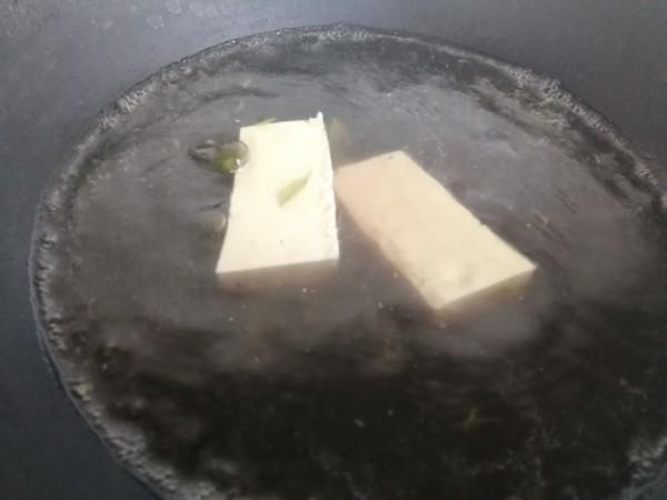 香椿豆腐鸡蛋卷的简单做法