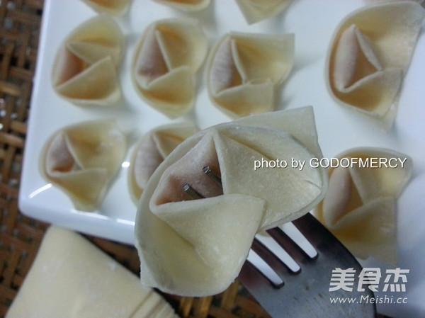 广东鲜虾云吞怎么吃