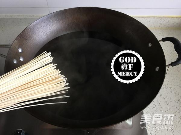 莲子丝瓜汤面怎么煮