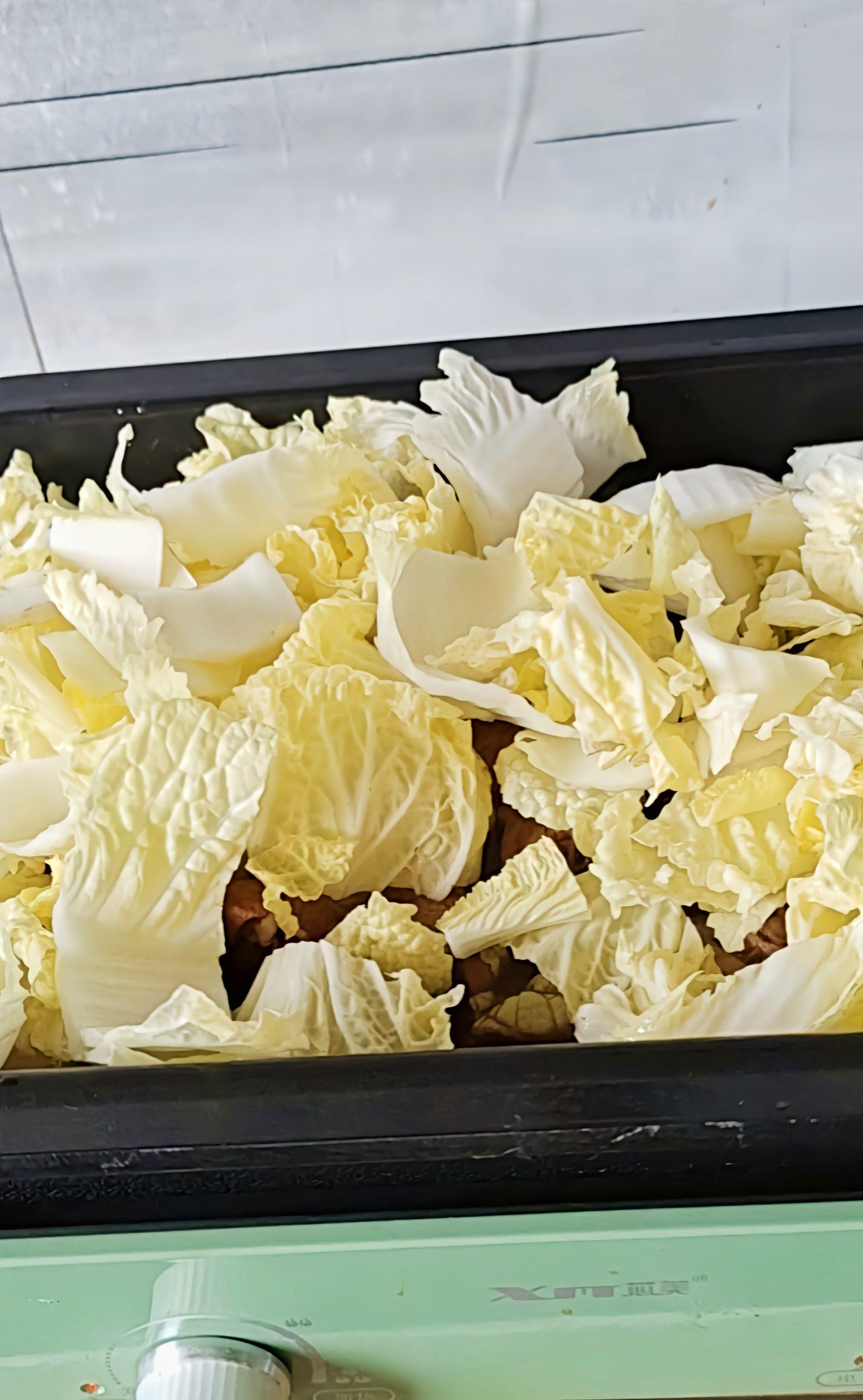 秋冬最爱家常菜…白菜粉条炖排骨的步骤