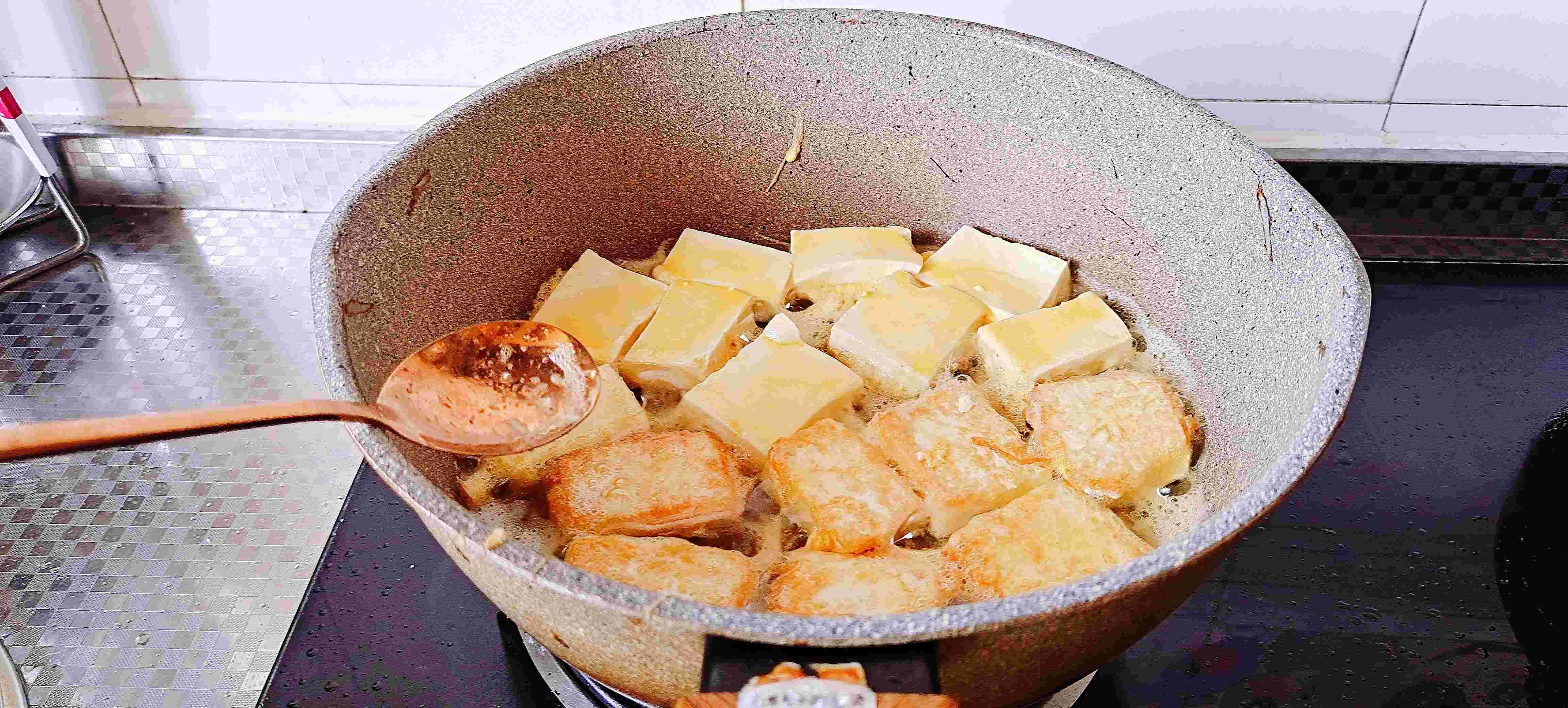秋冬这样吃豆腐,暖身又下饭…金针豆腐煲怎么吃