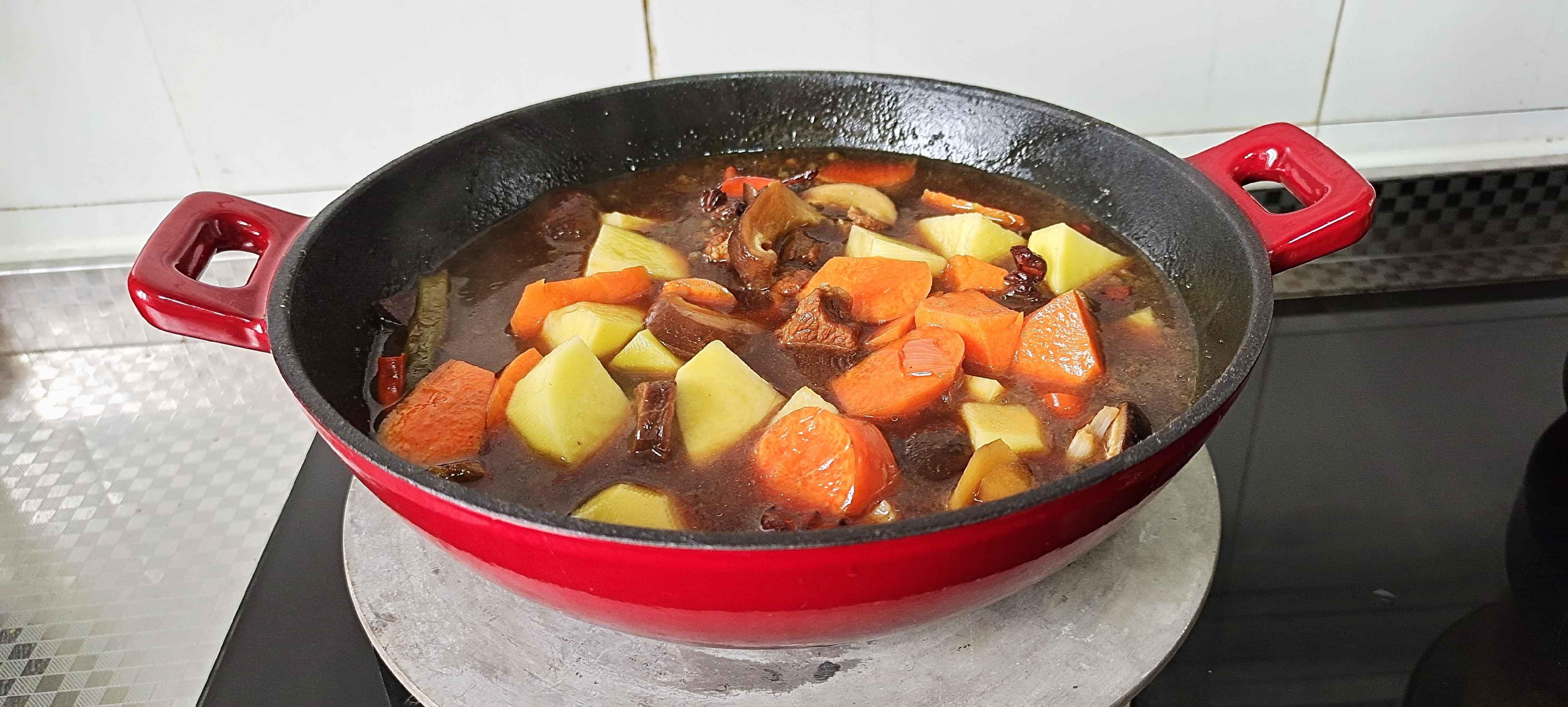 冬季牛肉这样做,暖身暖胃又滋补…红焖牛肉锅怎样煮