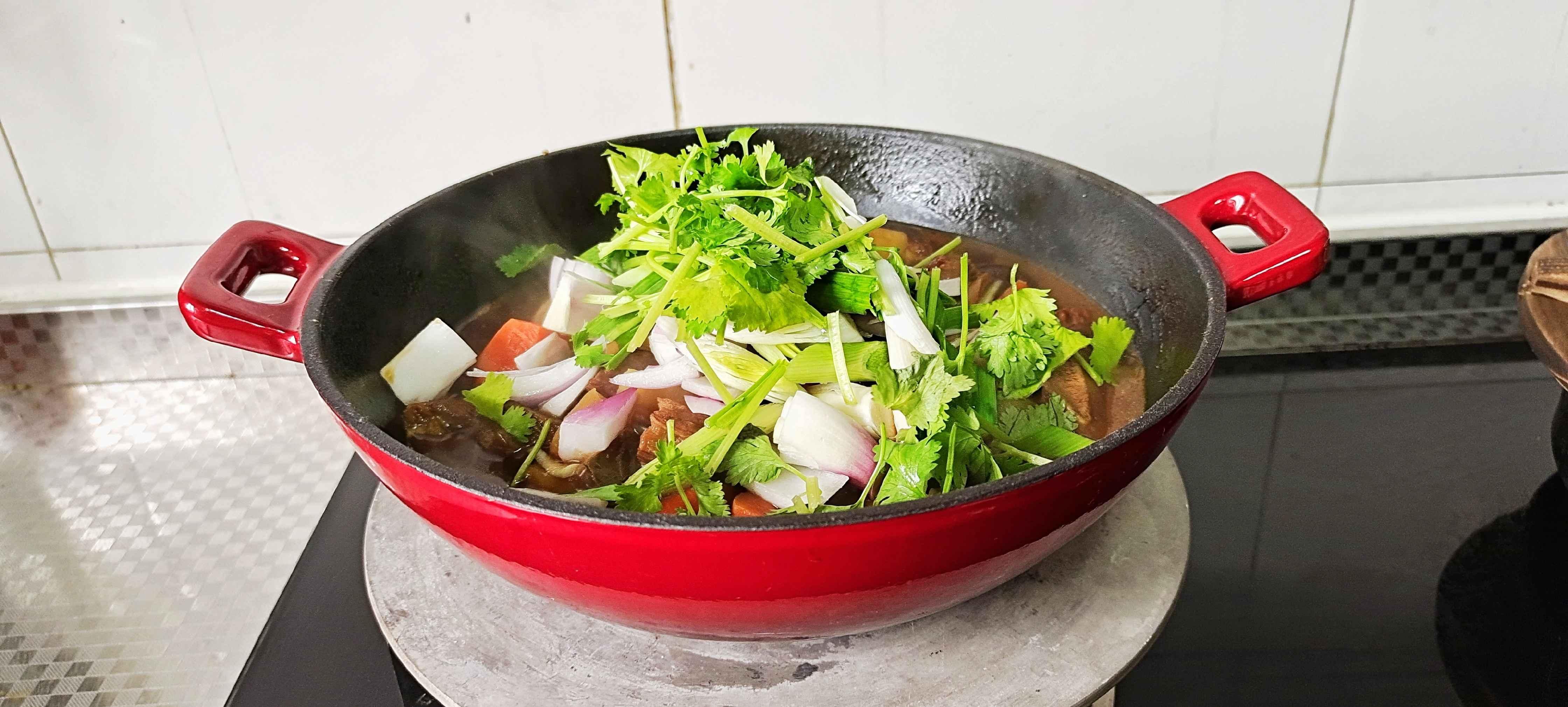 冬季牛肉这样做,暖身暖胃又滋补…红焖牛肉锅怎样炖