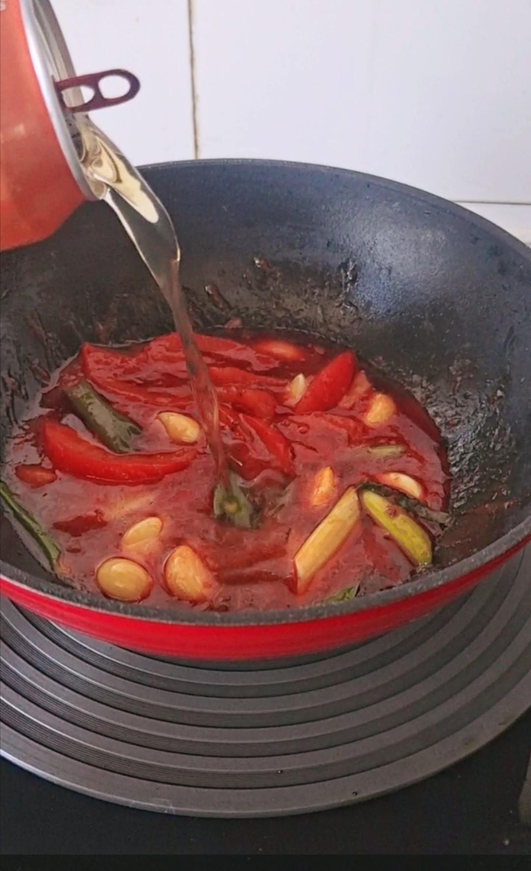 酸爽有滋味,这样一锅补钙又滋补~番茄豆腐鱼锅怎么炒