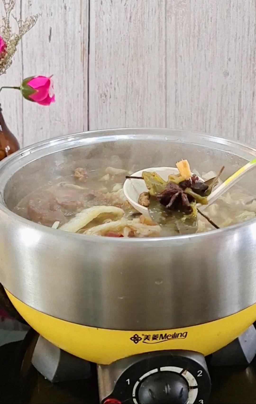 最家常的冬季暖锅,百吃不厌~白菜粉条牛肉锅的制作大全