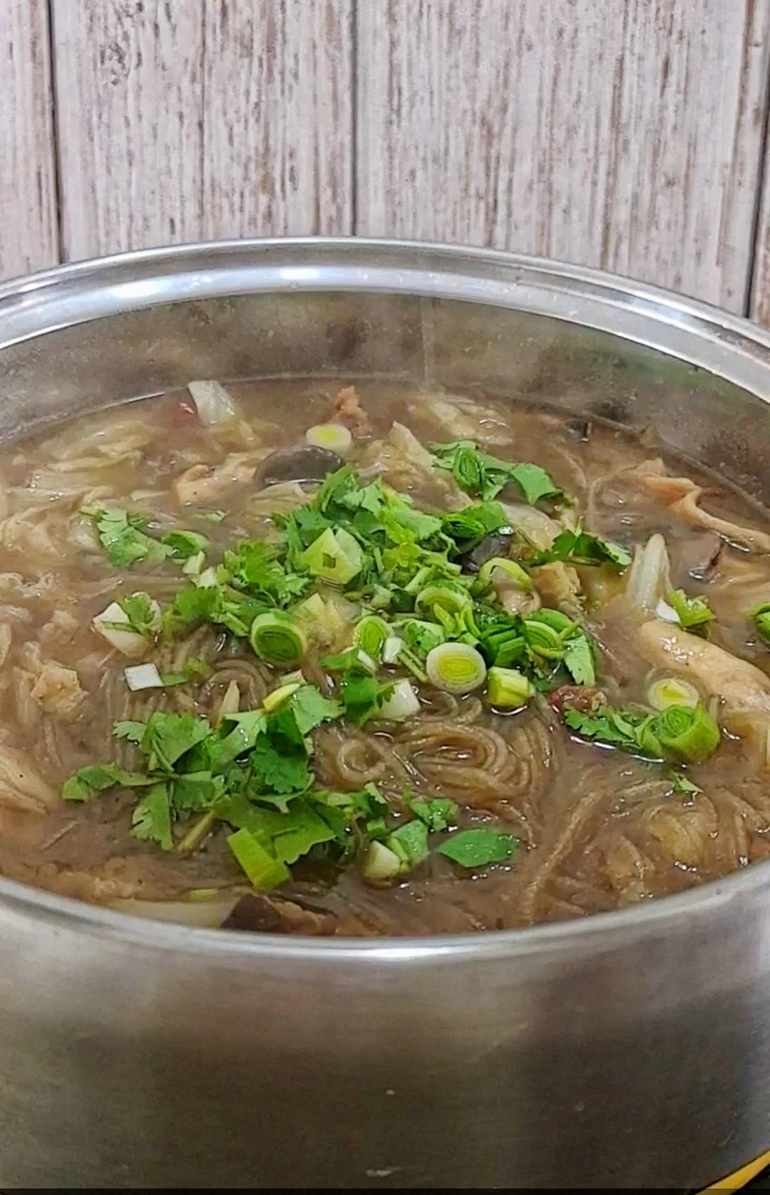 最家常的冬季暖锅,百吃不厌~白菜粉条牛肉锅的做法大全