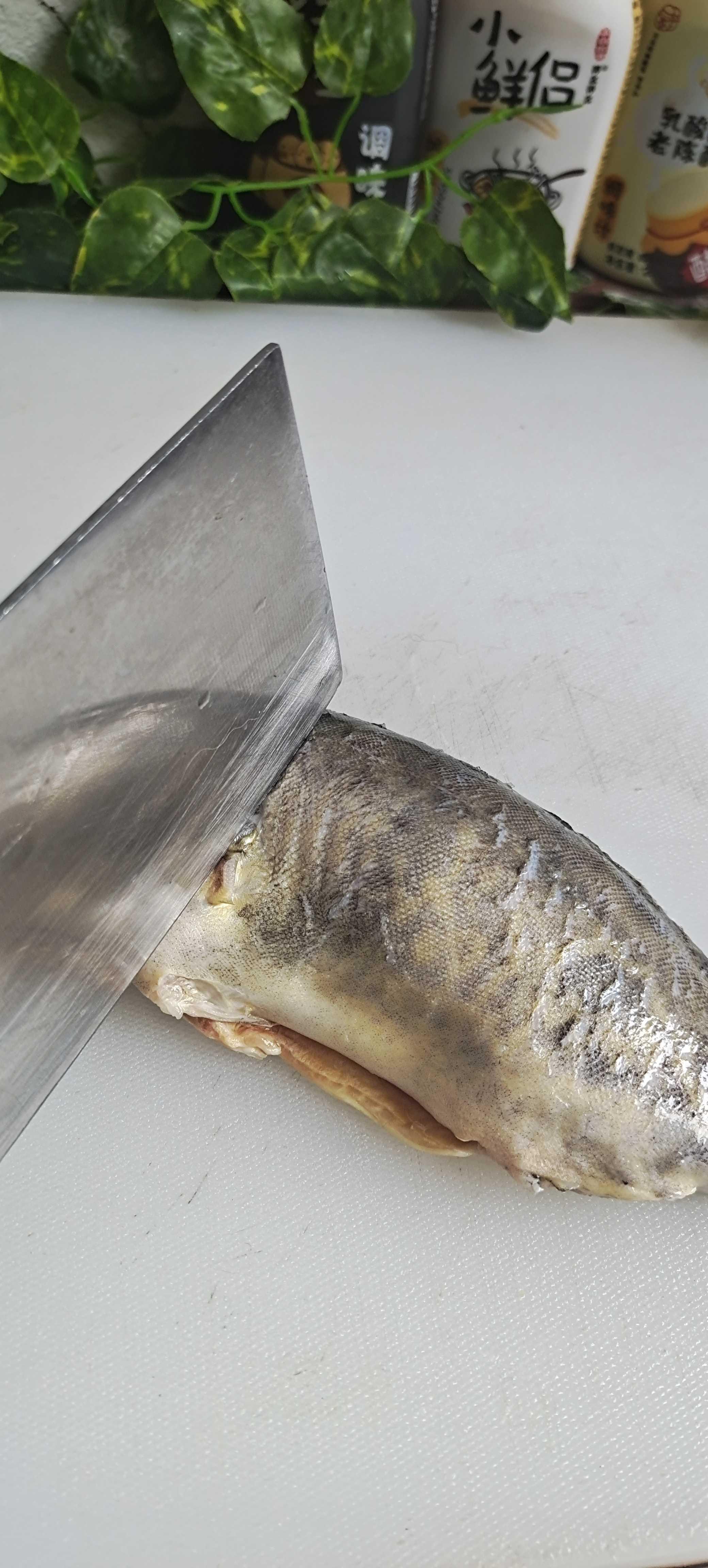 新年餐桌这样做鱼,红红火火…蒜蓉剁椒蒸鳜鱼的做法图解