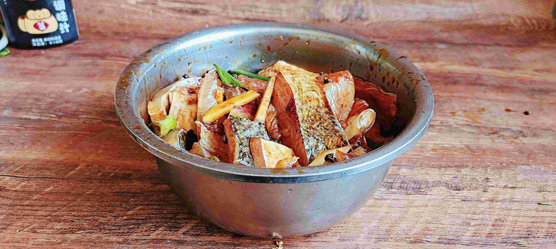 春节餐桌最受欢迎的荤凉菜~糖醋熏鱼的做法图解