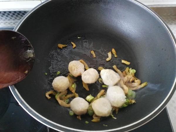 榨菜鱼丸面的家常做法