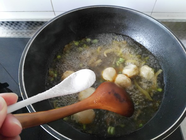榨菜鱼丸面怎么做