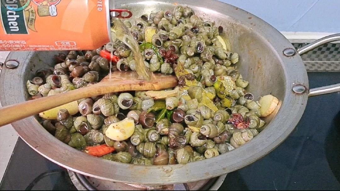 又到螺蛳季,这样做越吃越过瘾~香辣烧螺蛳怎么炒