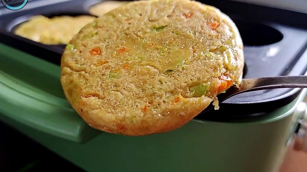 10分钟快手早餐,简单营养无负担:蔬菜莜麦早餐饼的步骤
