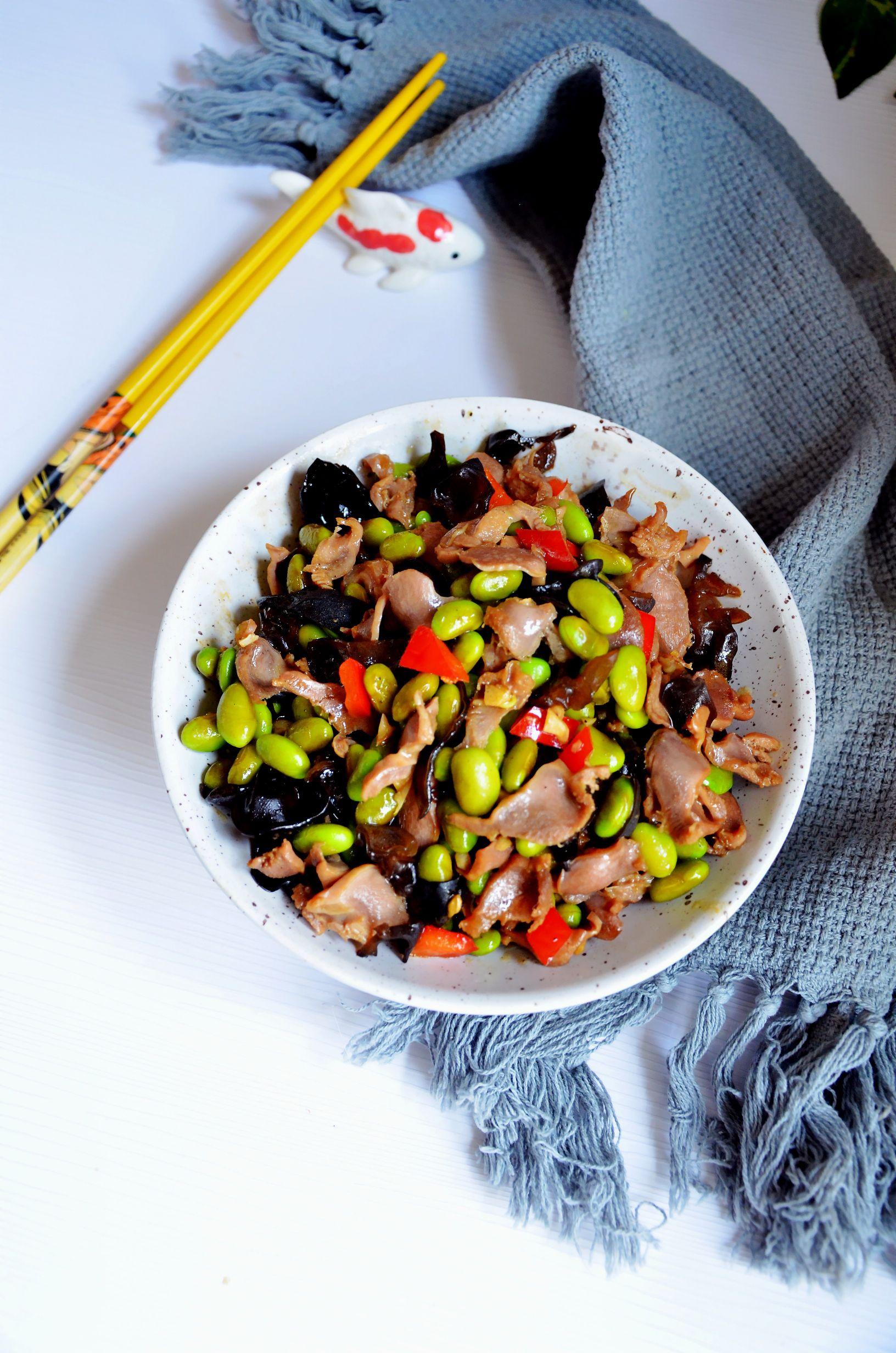 简单开胃下饭菜…毛豆炒鸡肫成品图