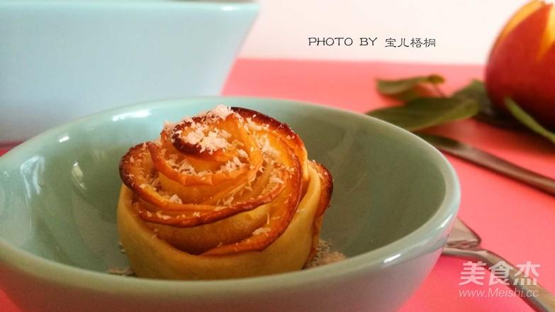 苹果玫瑰卷成品图