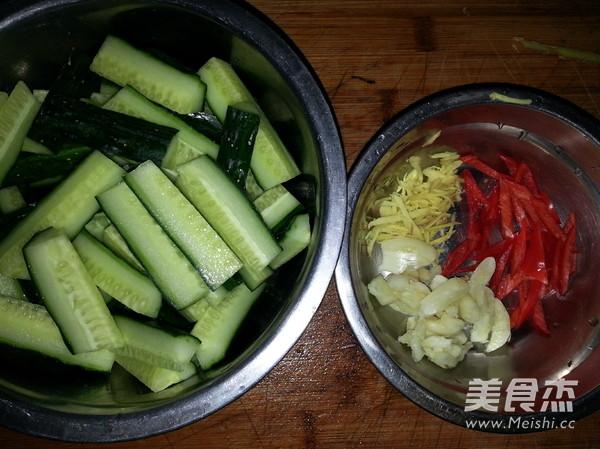 凉拌黄瓜的家常做法