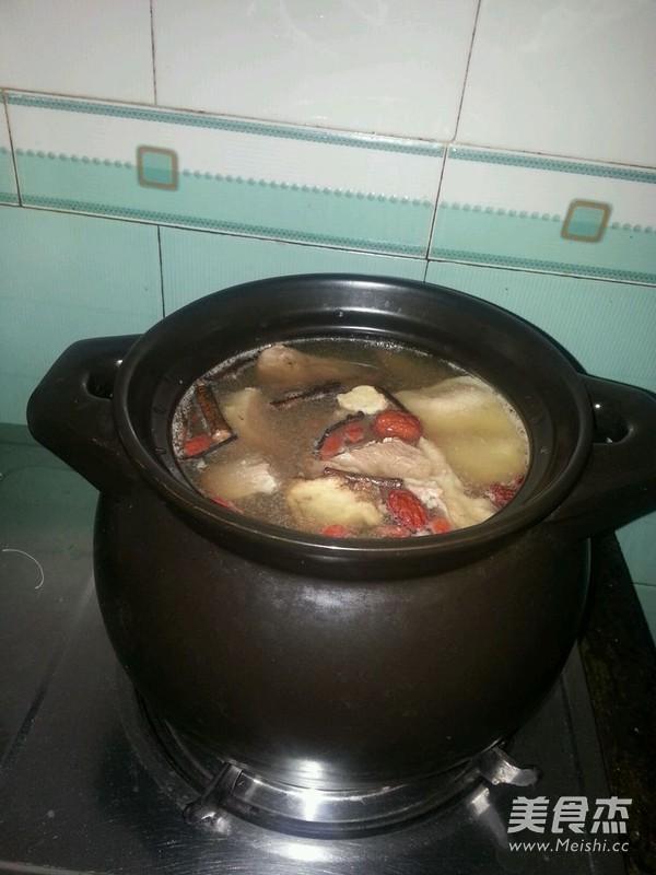 药膳老鸭汤的简单做法