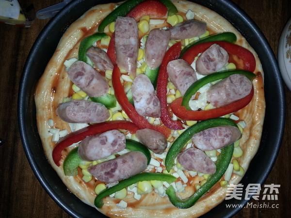 香肠比萨怎么吃