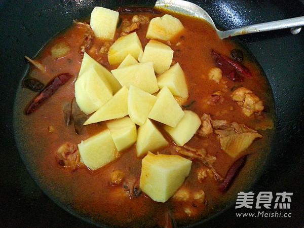 新疆大盘鸡怎么炒