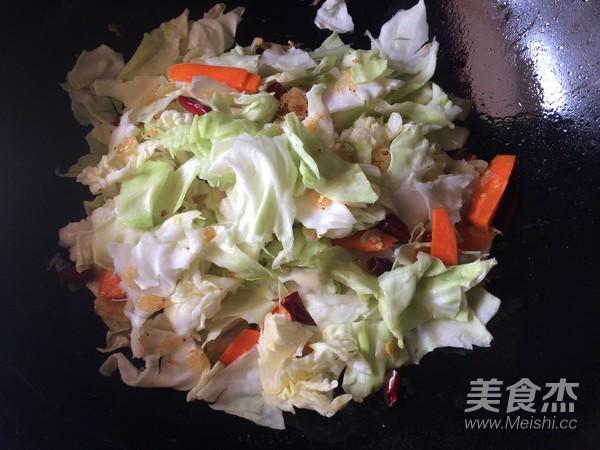 包菜煸虾米怎么做