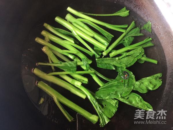 水灼广东菜心的家常做法