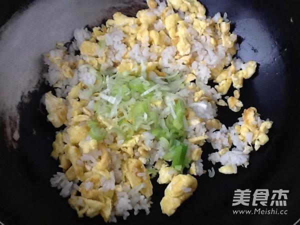 鸡蛋炒饭怎么炒