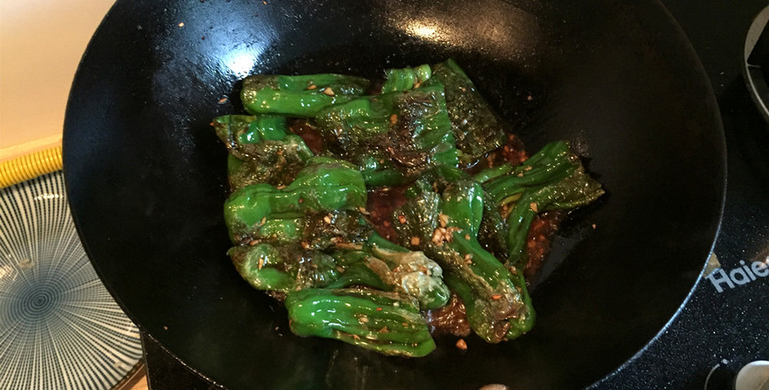 吃辣椒的虎皮青椒的简单做法