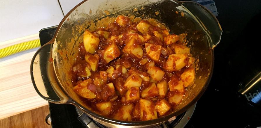 肉最嫩的咖喱土豆鸡肉饭怎么吃