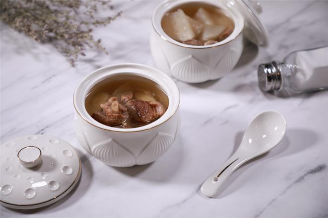 萝卜马蹄羊肉汤成品图