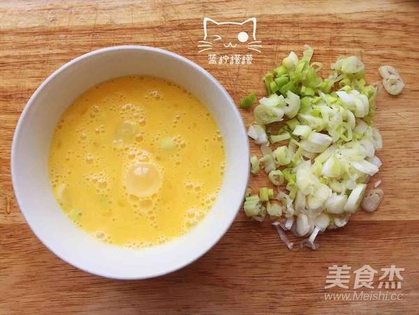 柿子鸡蛋凉拌面的家常做法