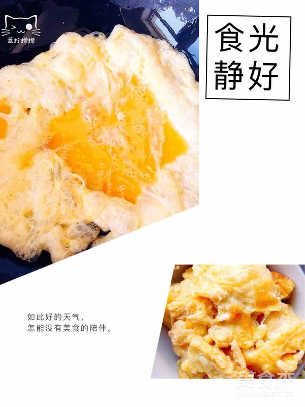 柿子鸡蛋凉拌面的简单做法