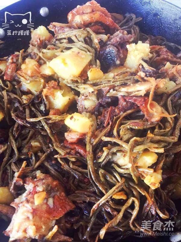 家乡美食~干豆角炖红公鸡的制作