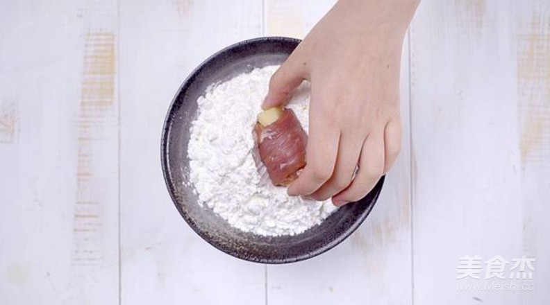 糖醋土豆里脊肉卷的简单做法