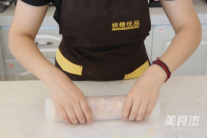 面包店必选——肉松沙拉卷的制作方法