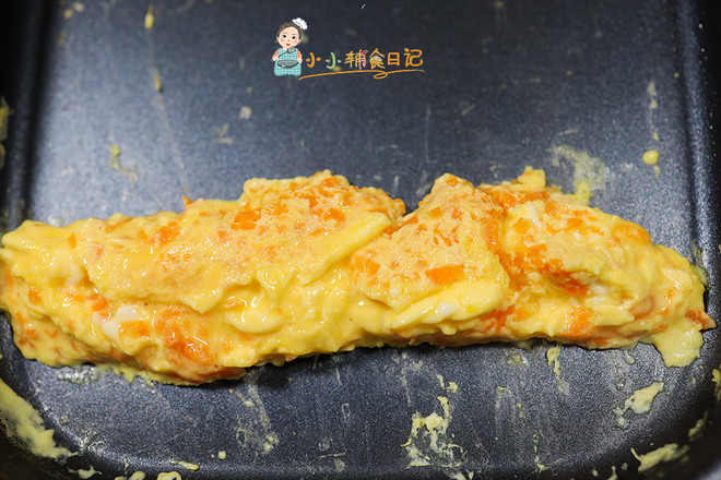 9个月以上辅食胡萝卜花朵厚蛋烧怎么做