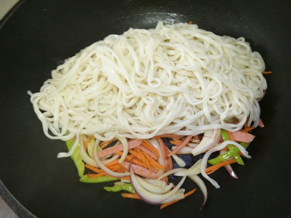 蔬菜炒面怎么炒