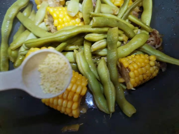 玉米炖豆角怎么煸