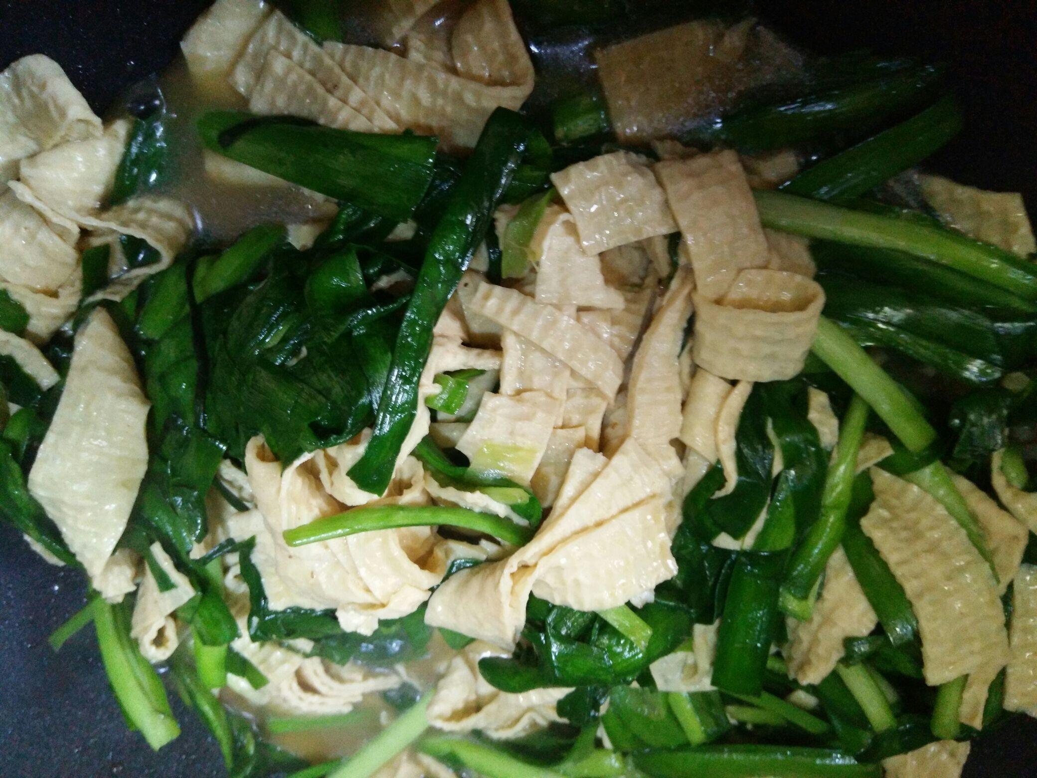 韭菜炒厚豆腐皮怎么吃