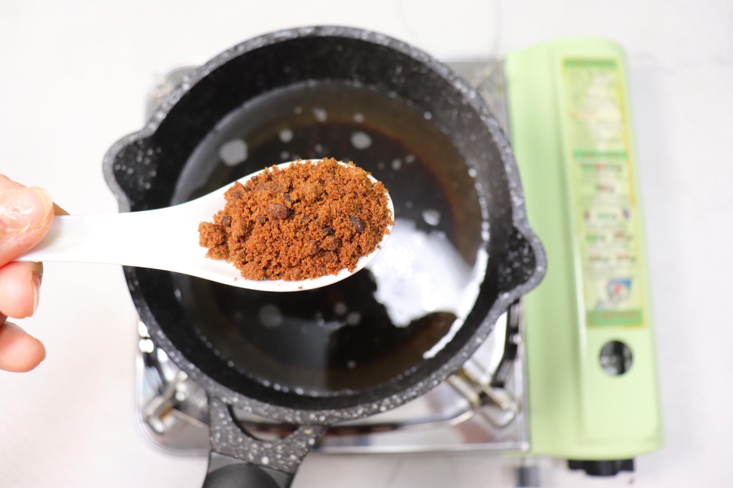 冬日暖身饮品~红糖姜枣煮蛋的简单做法