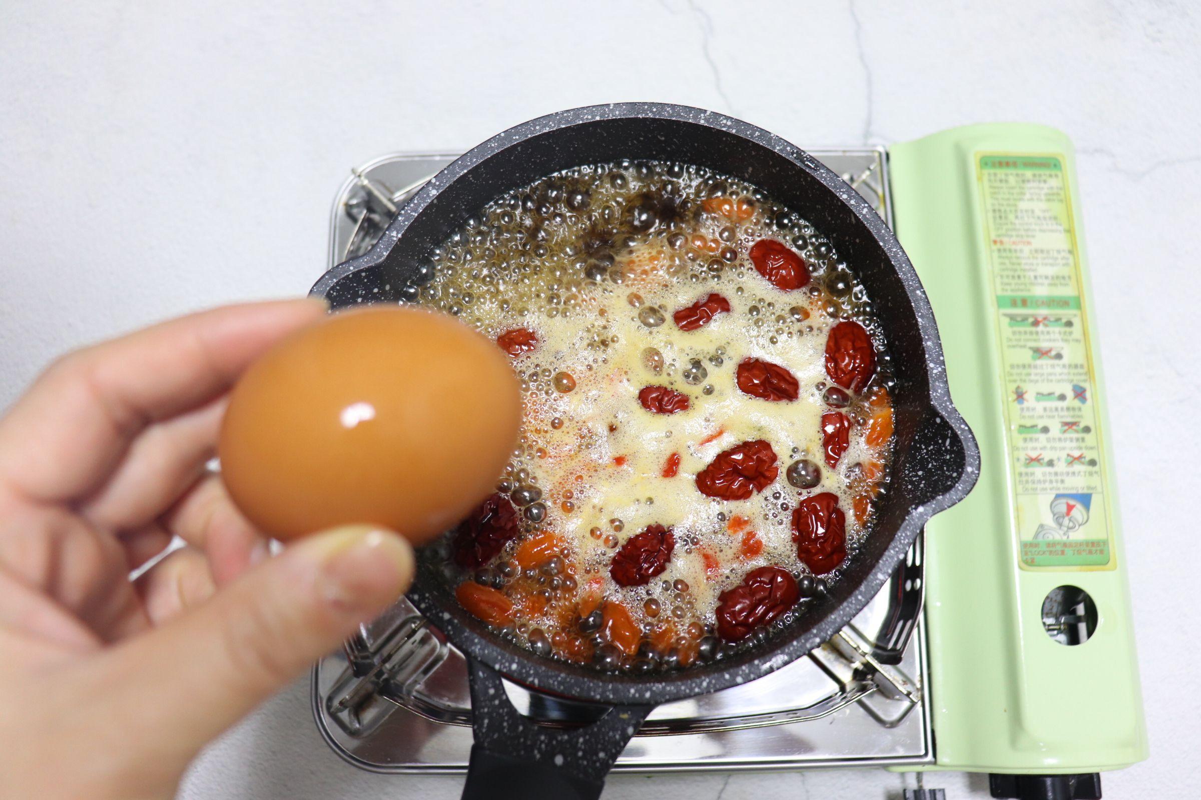 冬日暖身饮品~红糖姜枣煮蛋怎么煮