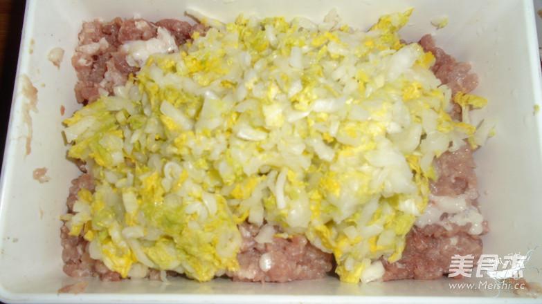 白菜猪肉饺子怎么炒