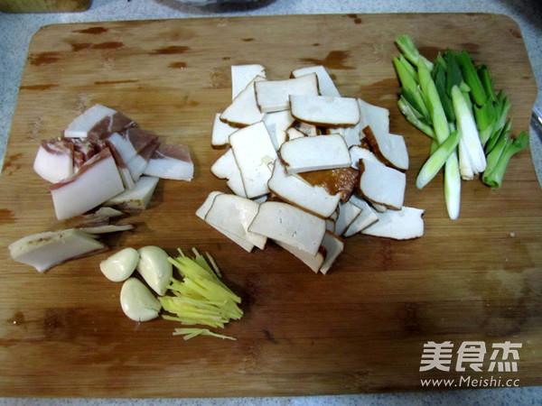 剁椒腊肉炒熏干的做法大全