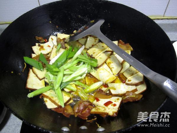 剁椒腊肉炒熏干怎么煮
