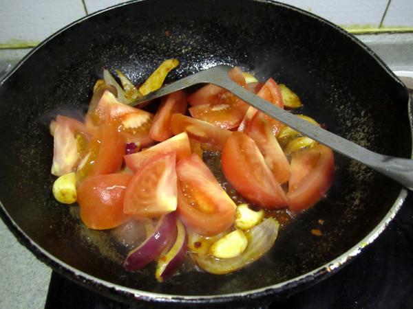 西红柿牛肉炖萝卜的简单做法